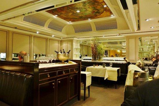 Victorian d sseldorf restaurant bewertungen for Gastronomie deko