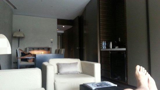 Armani Hotel Dubai: Resting on