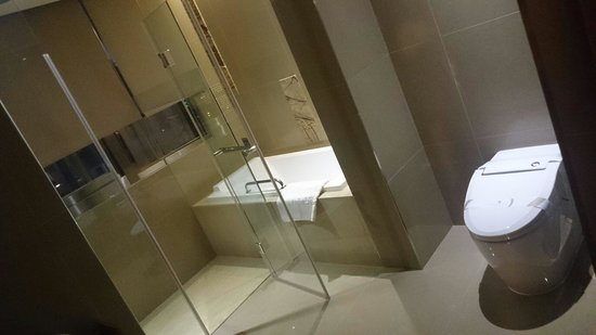 Green World Hotel Jian Pei Suites: Room112