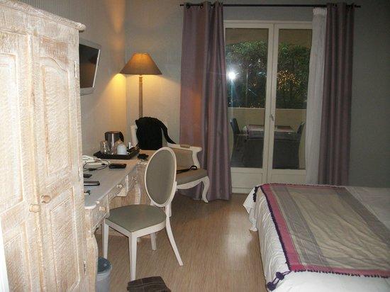 Hotel Lune de Mougins: Salon sur la terrasse