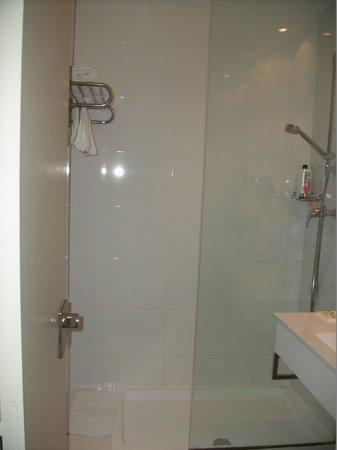 Hotel Lune de Mougins: Douche très propre