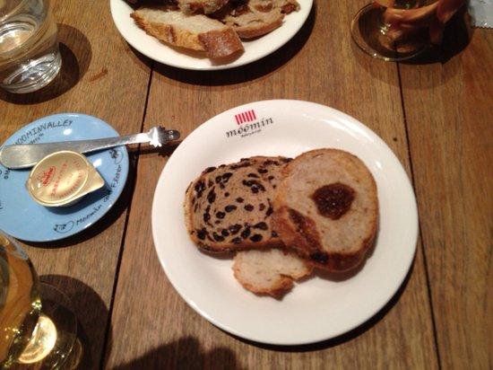 Muminbekariandokafe: パン