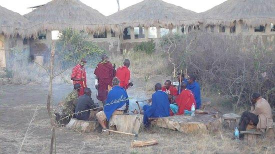 Africa Amini Maasai Lodge: bbq with the community