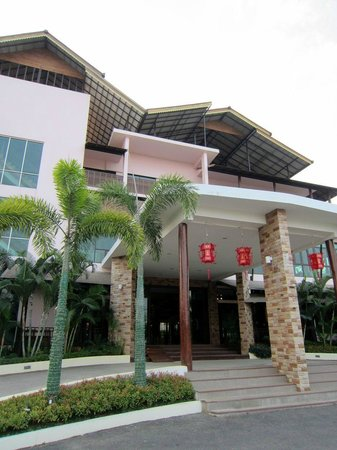 The Mantrini Boutique Resort: Front entrance