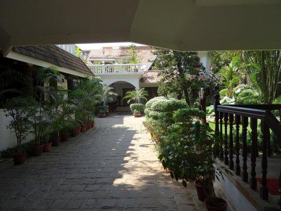 Ann's Residency : Entranceway