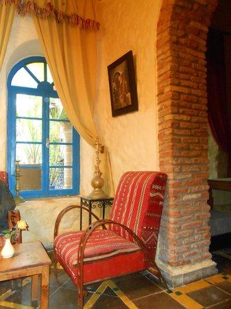 Riad Al Madina : salotto