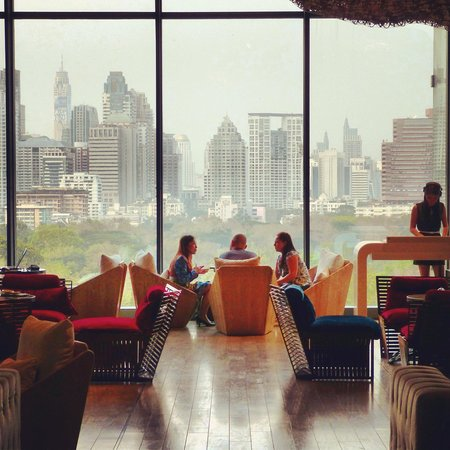 SO Sofitel Bangkok: Bar with Lumpini Park view