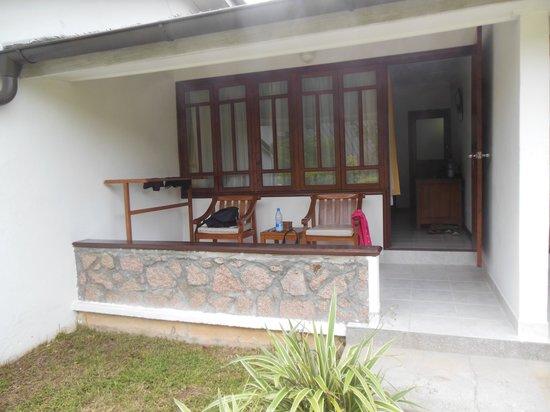 La Digue Island Lodge : entrée de la chambre
