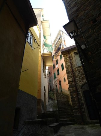 Vento di Mare is yellow building on the left