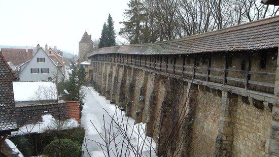 Historiengewölbe mit Staatsverlies: 城壁