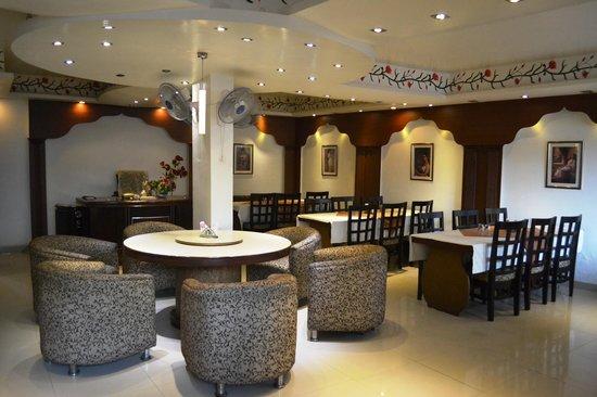 Qaisar Bagh Restaurant