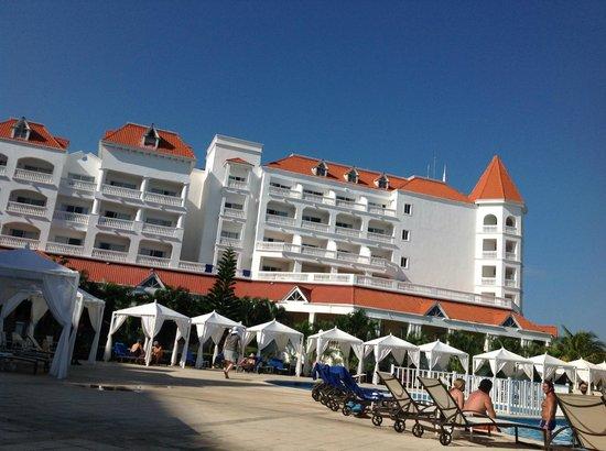 Luxury Bahia Principe Runaway Bay Don Pablo Collection: Vue d'une partie de l'hôtel