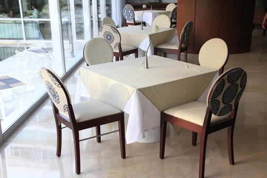 Holiday Inn Cartagena Morros : restaurant