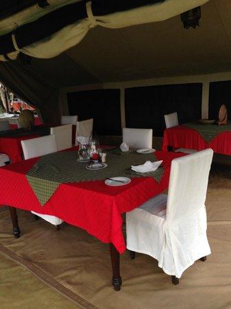 Mara Siria Camp : La tente pour les repas