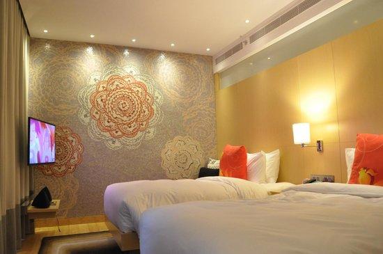 Hotel Indigo Hong Kong Island: Very spacious standard room