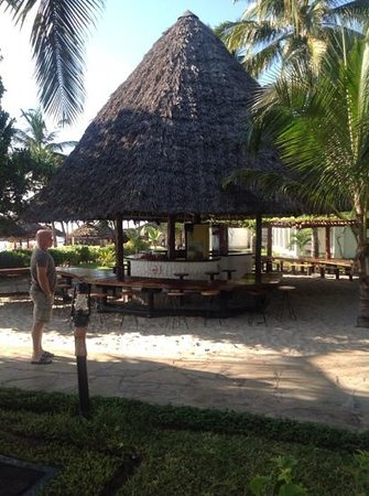Southern Palms Beach Resort: beach bar