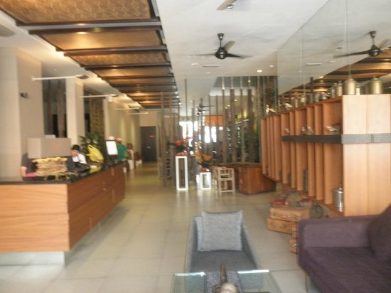 The Ranee Boutique Suites : Lobby en restaurant