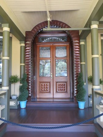 Winchester Mystery House: Front door
