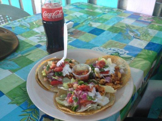 Reina's Pasties Pizza & Fast Food: Fish tacos