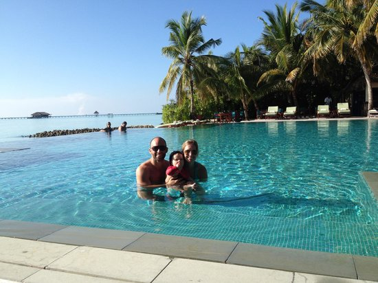 Taj Exotica Resort & Spa: Central infinity pool