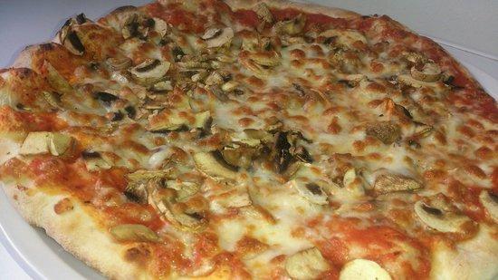 Il Giardino: Pizza Funghi
