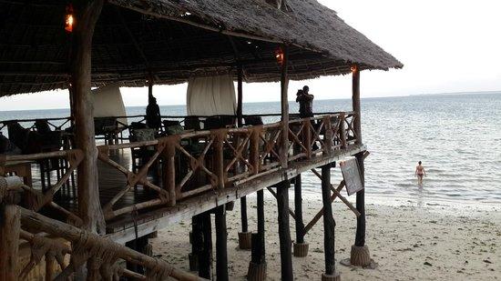 Ngalawa Beach Village : The bar