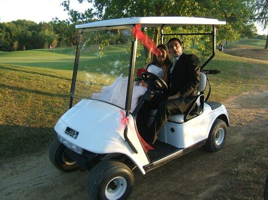 Nona Buca : matrimonio, arrivo sposi con golf cart