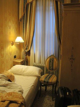 Hotel Noemi : Habitación Individual