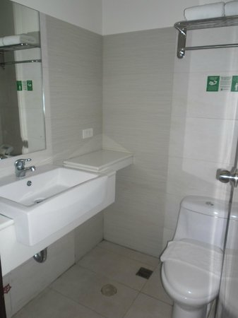 Go Hotels Mandaluyong : clean and spacious