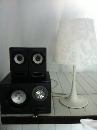 THE BAY Resort & Restaurant : Stereo and lamp...