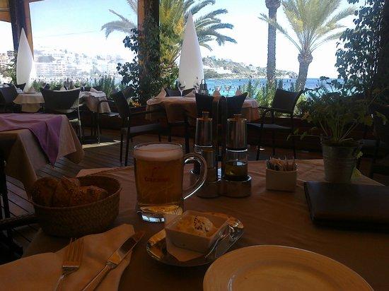 Apartamentos Llobet: pranzo con panorama