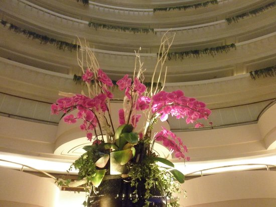 Sunworld Dynasty Hotel Taipei: 吹き抜けのレストラン