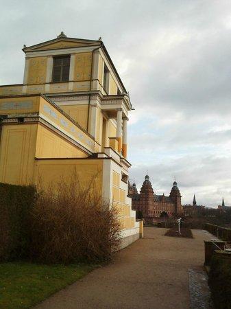 Spaziergang am Pompejanum in Aschaffenburg