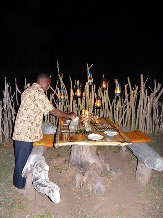 Shamba Kilole Eco Lodge : Dinner in the bush