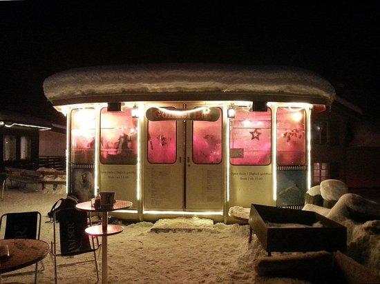 Gondelbar (Apres-Ski-Bar, gehört zum Hotel Jungfrau)