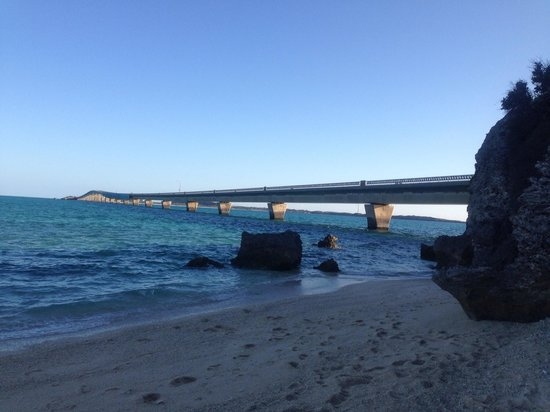 Ikema Ohashi Bridge: 浜から
