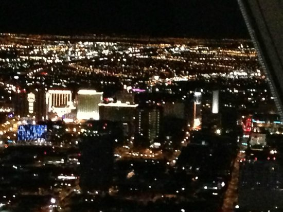 Top of the World Restaurant at the Stratosphere : vue sur vegas