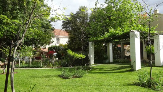 Avondrust Guest House and B&B : Gartenbereich des Guesthouses