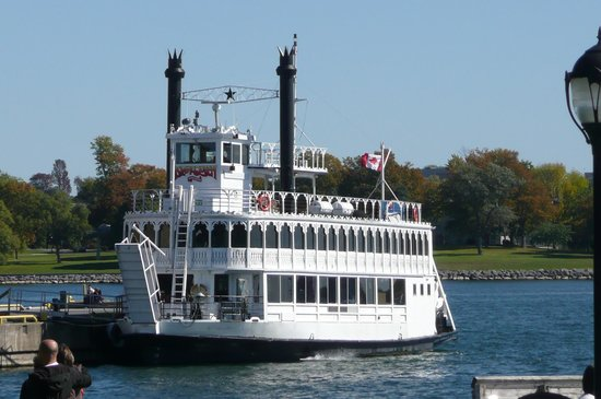 Delta Hotels by Marriott Kingston Waterfront : 1000 Island cruise