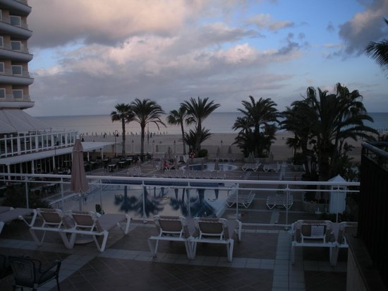 ClubHotel Riu Oliva Beach Resort : Hotel pool