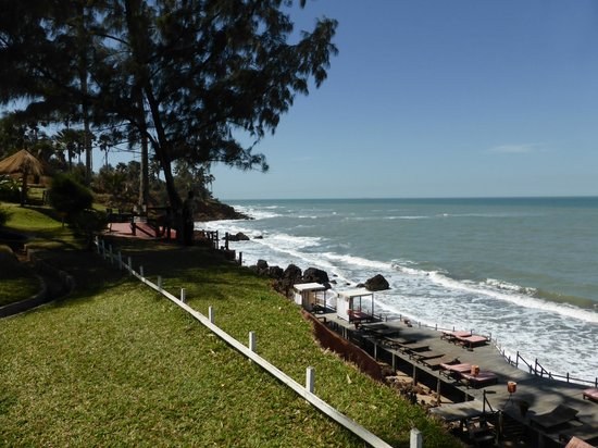 Ngala Lodge: Cliff Top View
