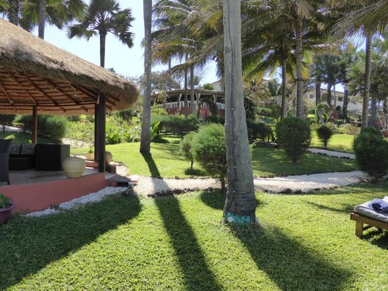 Ngala Lodge: Hotel Gardens