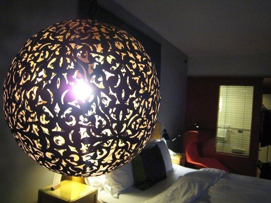 Hotel Rival : Illuminazaione Camera