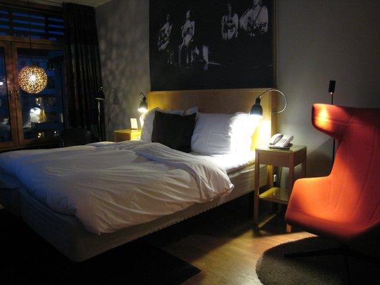 Hotel Rival : Camera Deluxe