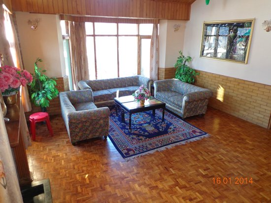 SilverBirch Manali Cottage: living room