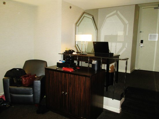 MileNorth, A Chicago Hotel: Office Area