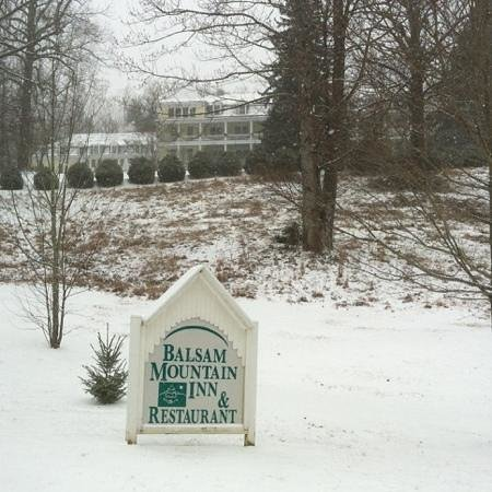 Balsam Mountain Inn & Restaurant: Snowy January at the Inn