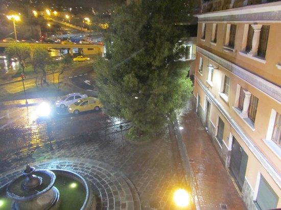 Hostal Mia Leticia: Vista nocturna desde la habitación