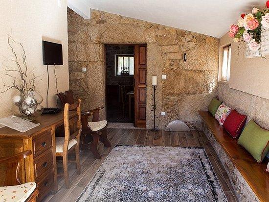 Zona de lazer foto de casas do ju zo pinhel tripadvisor for Hoteis zona centro com piscina interior