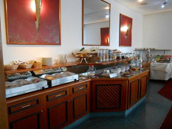 Fortuna Hotel: Frühstücksbüffett